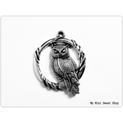 Cat with dots pendant - Silver