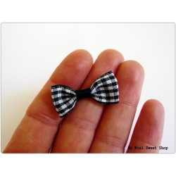 Black gingham Bow