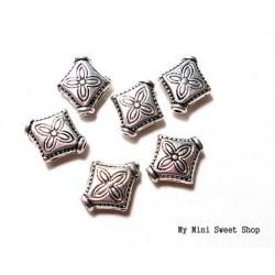 Kraal diamant met bloem - Zilver