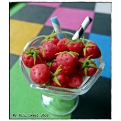 Miniatur Erdbeere